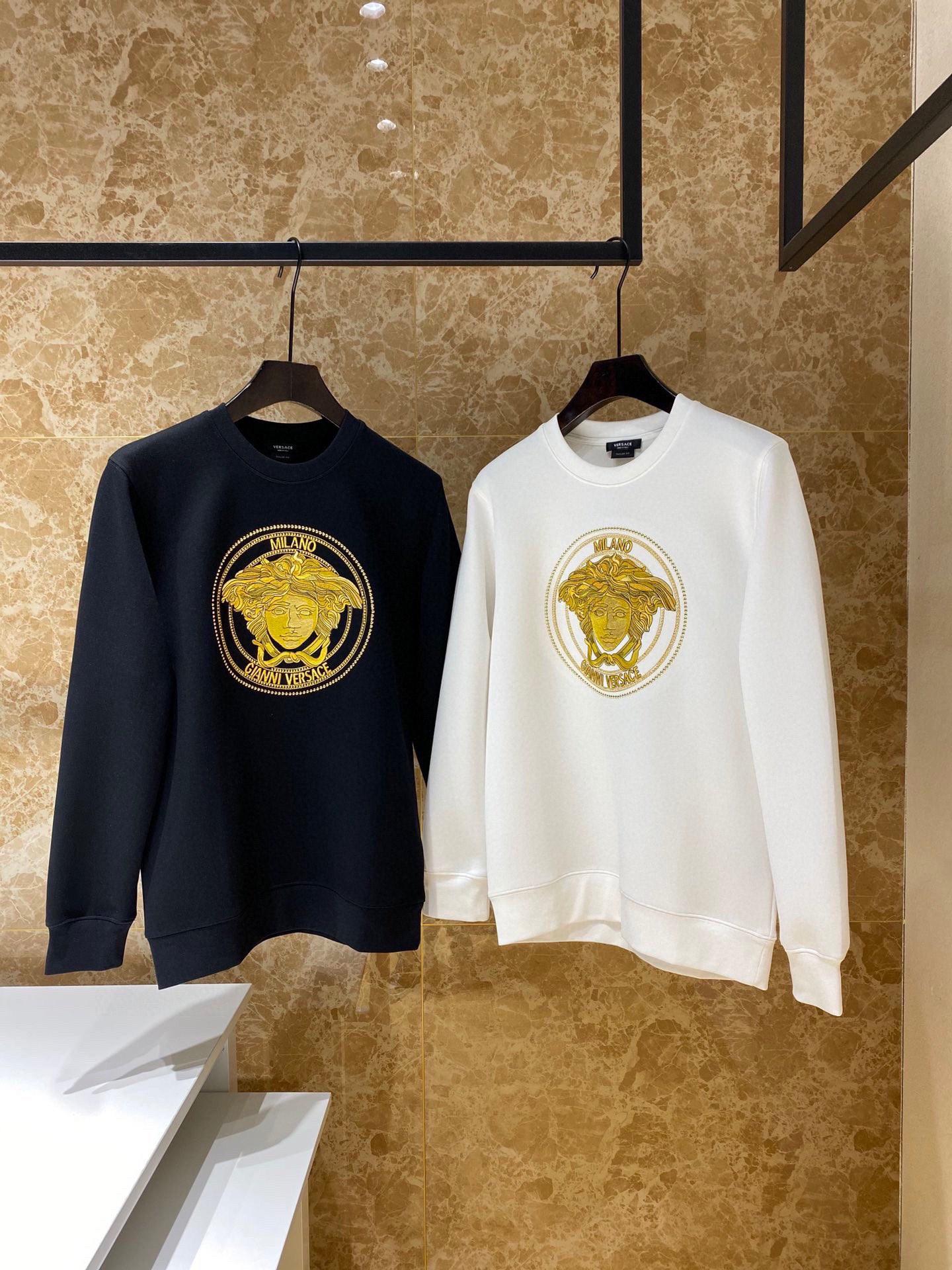 广州大牌潮牌服装 一手货源 长期招代理 一件代发